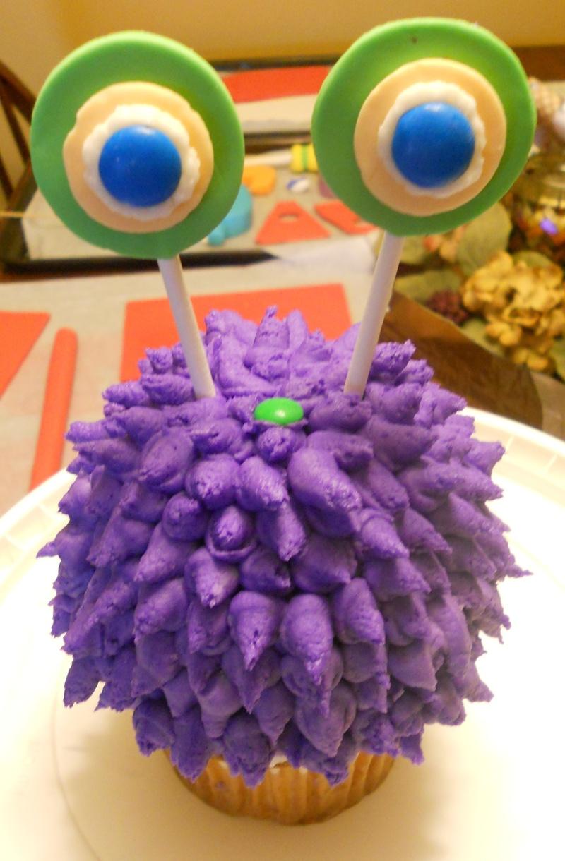 Jumbo Cupcake Monster