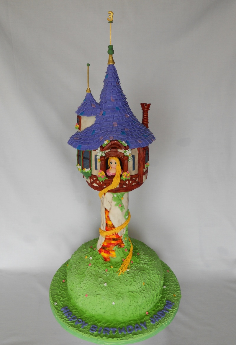 Tangled Cake (aka Repunzel's tower)